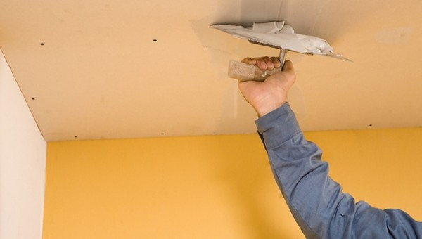 отделка потолка шпатлевкой