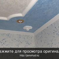 как правильно клеить потолок обоями