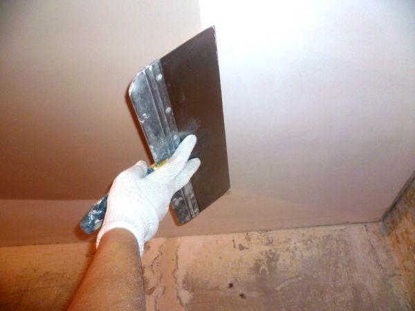 покраска и шпатлевка потолка
