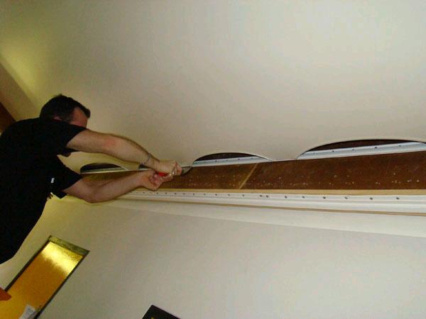 сделать натяжной потолок своими руками