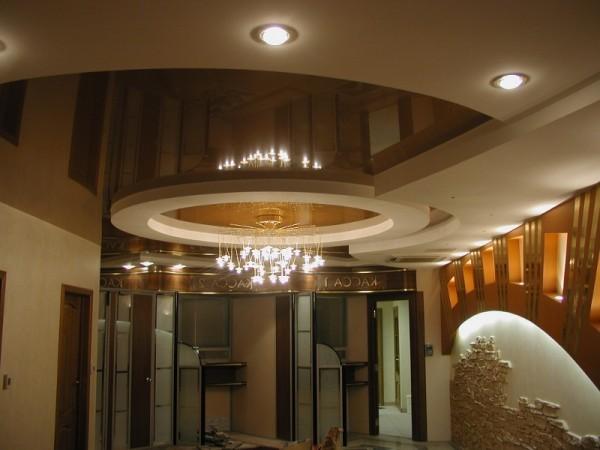 какой фирмы выбрать натяжной потолок