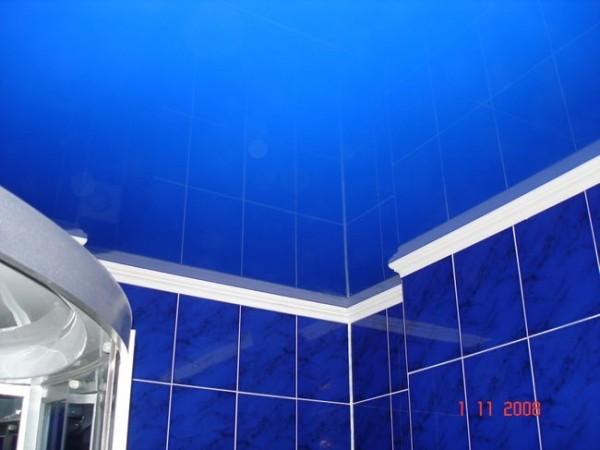 натяжные потолки и ванная фото