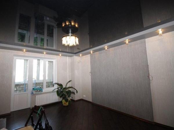 черный натяжной потолок фото