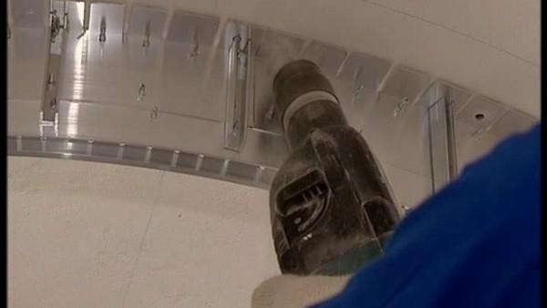 монтаж натяжных потолков видео смотреть