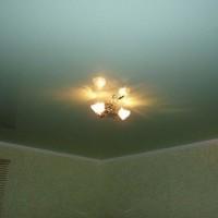 плинтуса для натяжных потолков фото